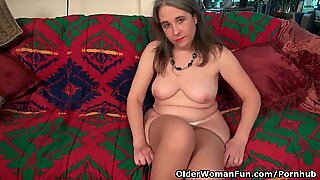American milf Kelli plays with her hairy pussy in nylon
