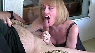 Melanie Want a Cum Splash over Her Mouth