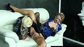 Bukkake lesbians at gloryhole getting cumshots