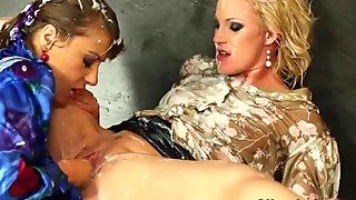 Pornstar babes at the gloryhole getting bukkake