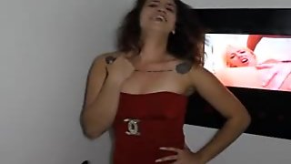 Fuckin Smoking Hot Slut Sucking Sperm Out!